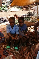 smutny los dzieci
