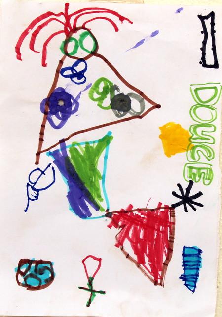 Dziewczynka zagubiona w swojej własnej torbie. Douce, 3 lata. Flamaster, papier biurowy. 21x29 cm.